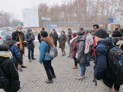 Prof. Pretzsch explaining about Zittau on the way to the lecture.